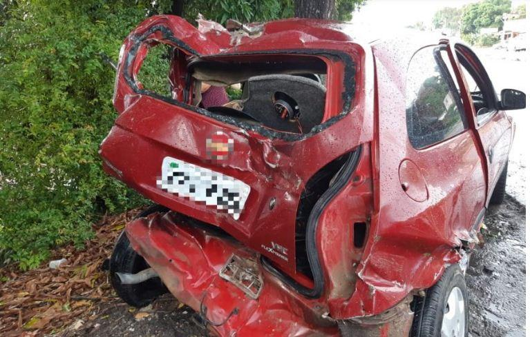 Quatro pessoas ficam feridas em acidente acidente na BR 101, no Ibura