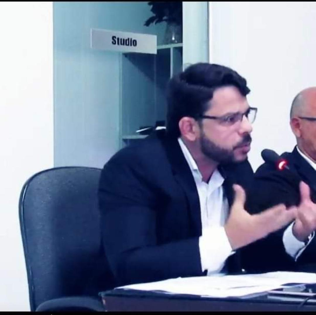 VEREADOR BRENO LINS COLOCA EM VOTAÇÃO REQUERIMENTO A FAVOR DOS ESTUDANTES UNIVERSITÁRIOS DE AREZ
