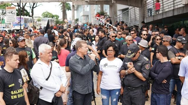 Agentes da segurança pública do RN protestam contra salários atrasados