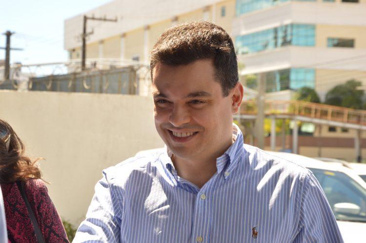 No Twitter, deputado Walter Alves anuncia rompimento político com Henrique Alves