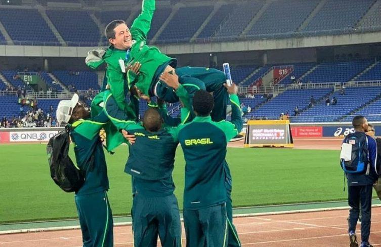 Brasil bate EUA e leva o ouro no 4x100m no Mundial de Revezamentos