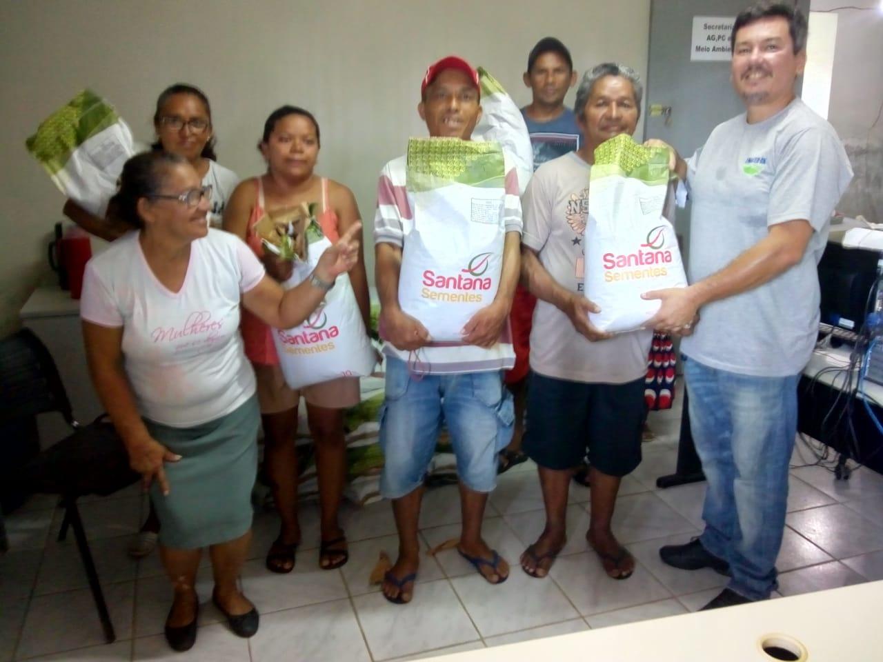 Prefeitura de Georgino Avelino inicia distribuição de sementes para agricultores e agricultoras