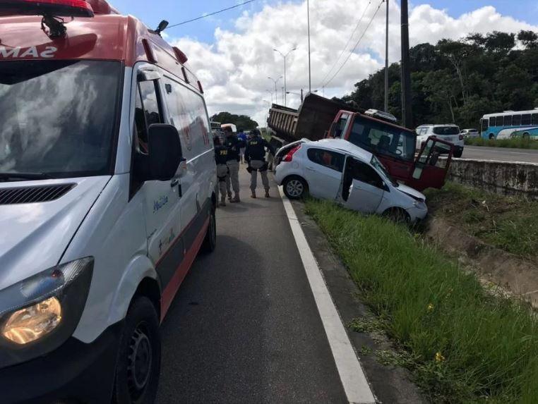 Agente da PRF fica em estado grave após acidente em Mata Redonda