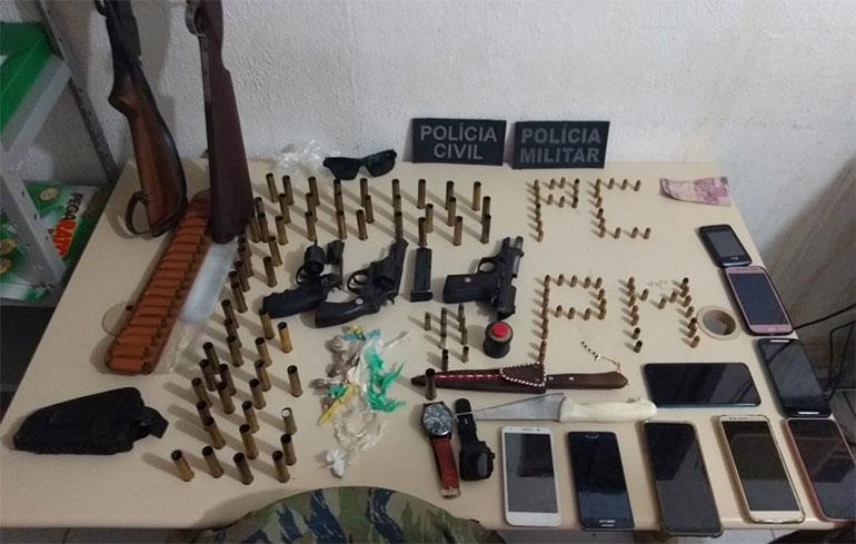 Polícias Civil e Militar prendem duas mulheres e apreendem cinco armas de fogo em Campestre, RN