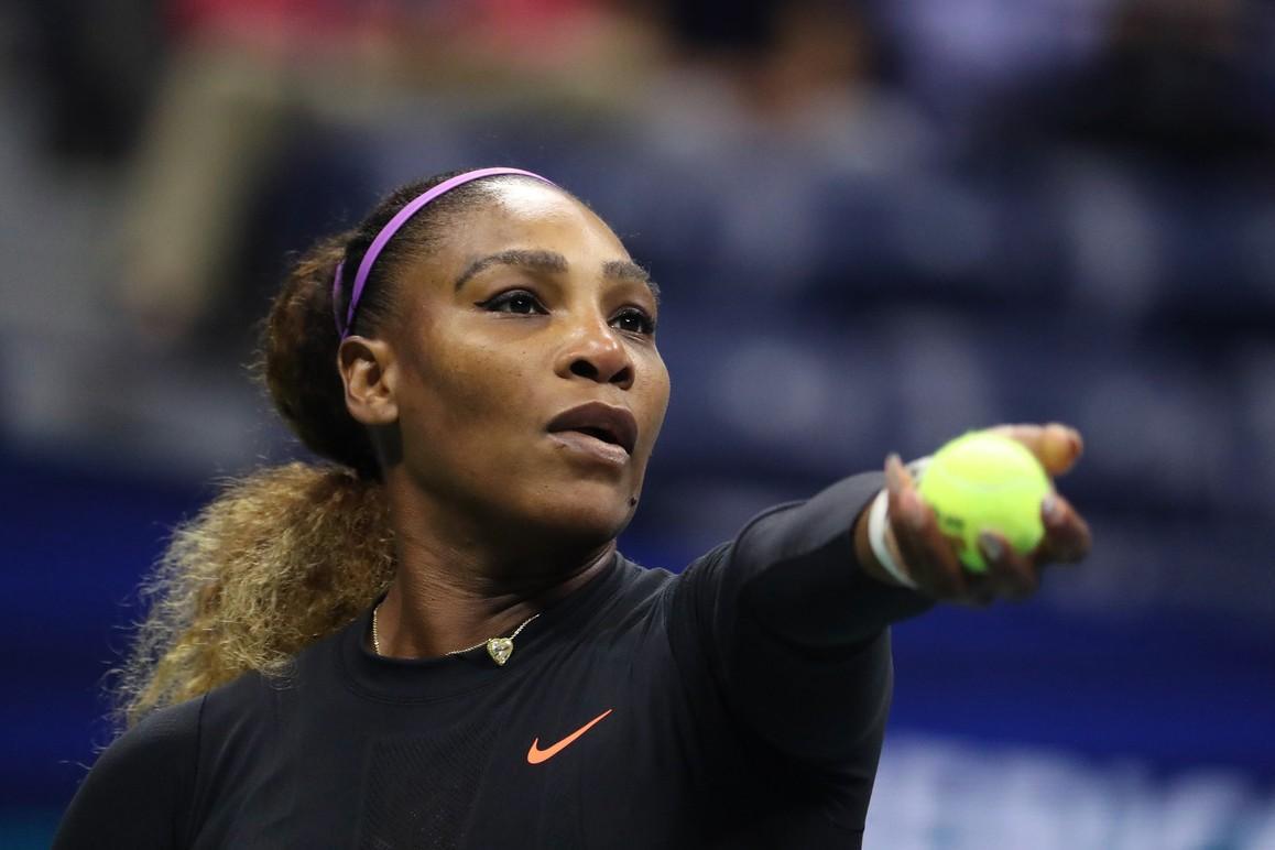 Serena Williams arrasa chinesa em apenas 44 minutos e chega à 100ª vitória no US Open