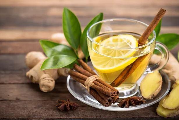 Beber chá diminui o risco de problemas cardíacos e morte precoce