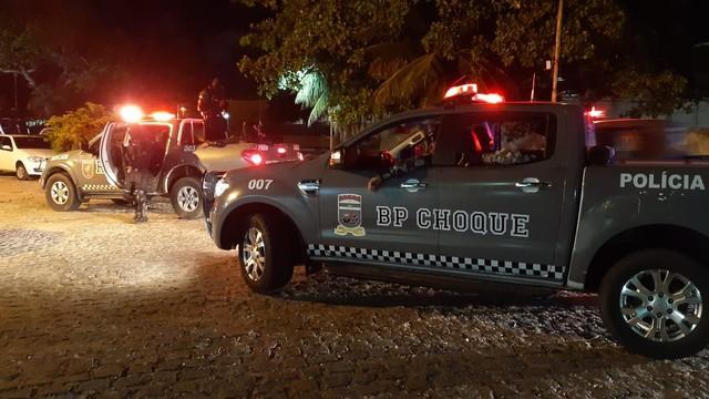 Operação da PM contra tráfico de drogas prende dois suspeitos na Zona Leste de Natal