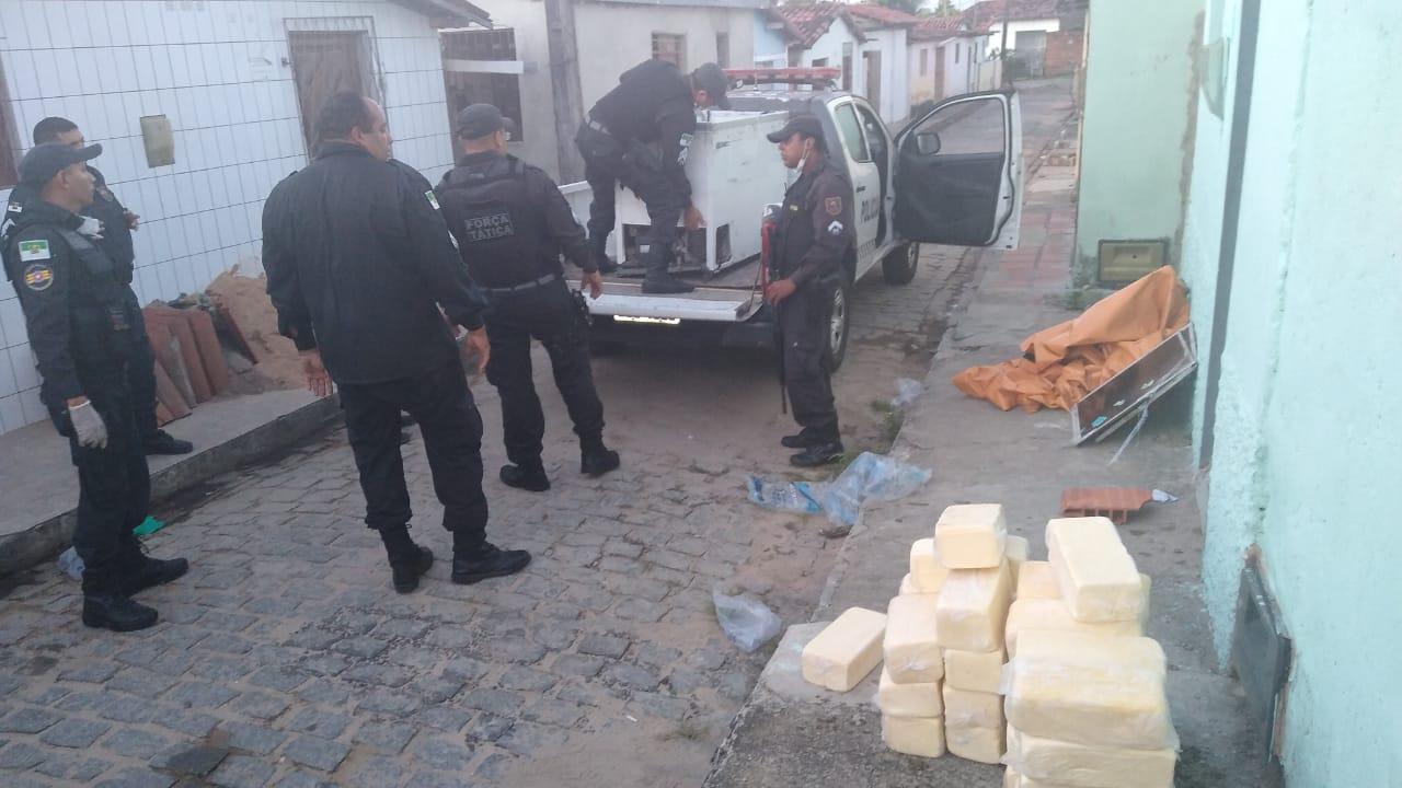 Polícia prende homem que atacou uma viatura da polícia em Macaíba