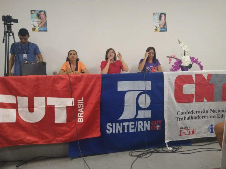Professores da rede pública de Natal aprovam indicativo de greve