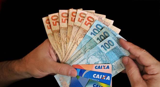 Caixa paga novos lotes da 1ª e 2ª parcelas nesta quinta-feira (21)