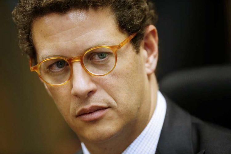 Pedido de impeachment de Ricardo Salles avança na PGR