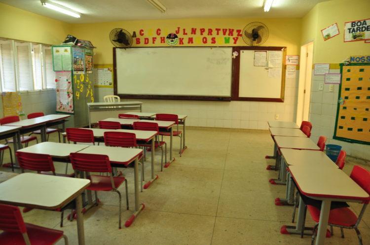 """Governadora diz que retorno de aulas presenciais no RN só se dará """"em ambiente seguro"""""""