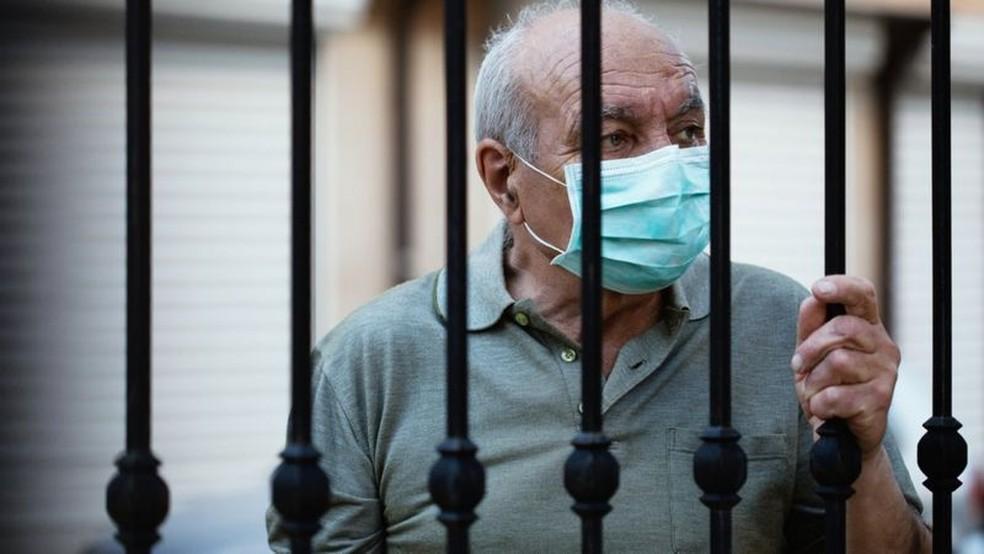 Pandemia isola Províncias argentinas do resto do país e impede pai de dizer adeus a filha doente