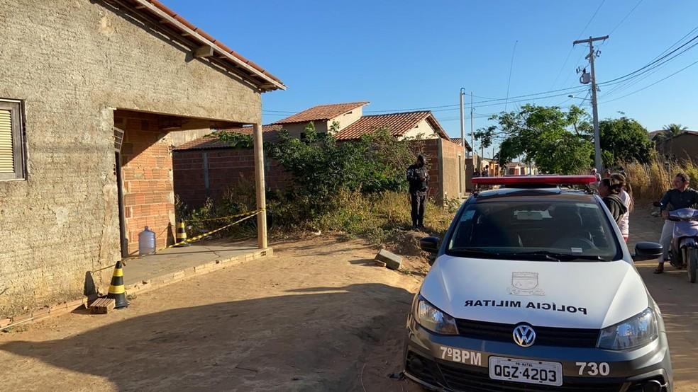 Homem é encontrado morto dentro de residência em Portalegre