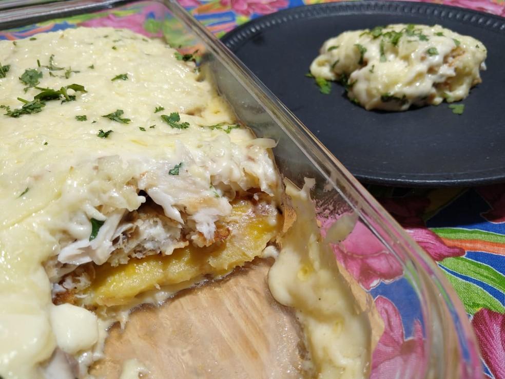 Aprenda a fazer tilápia com queijo coalho e banana