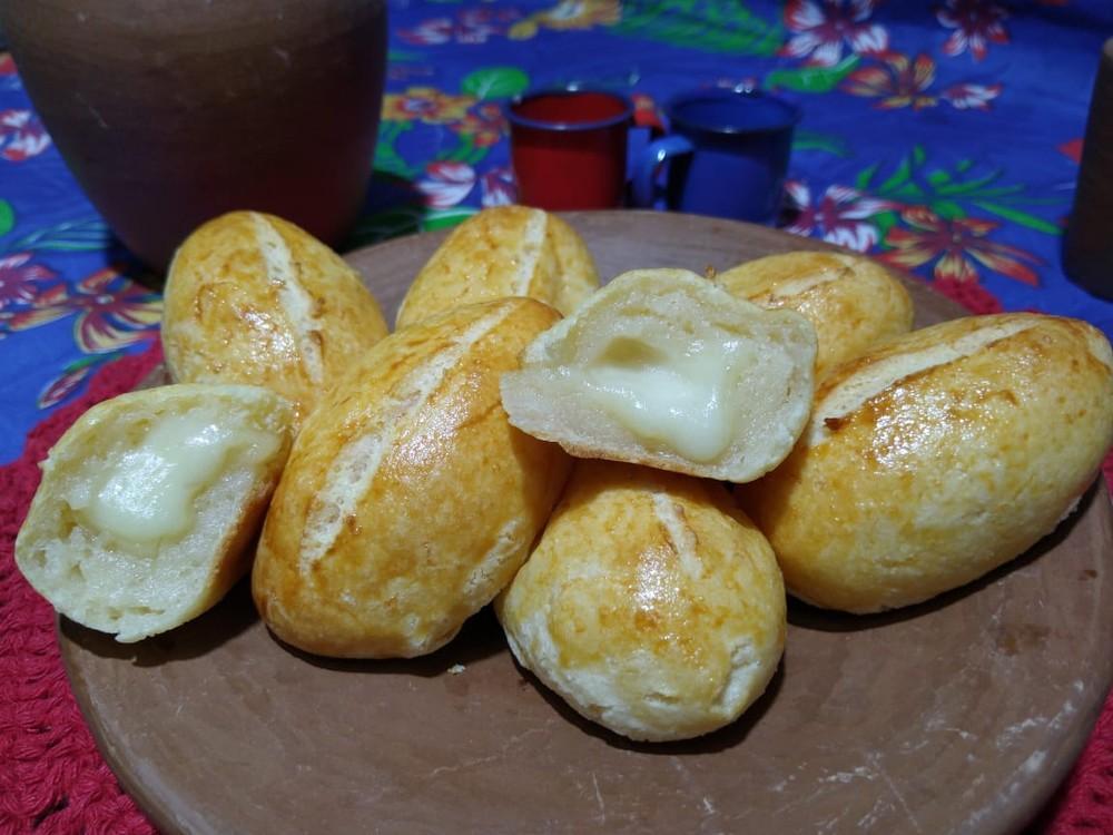Aprenda a fazer um delicioso pão de tapioca com queijo de manteiga