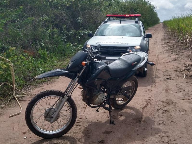 MOTOCICLETA COM QUEIXA DE ROUBO É RECUPERADA PELA POLÍCIA MILITAR EM SÃO JOSÉ DE MIPIBU