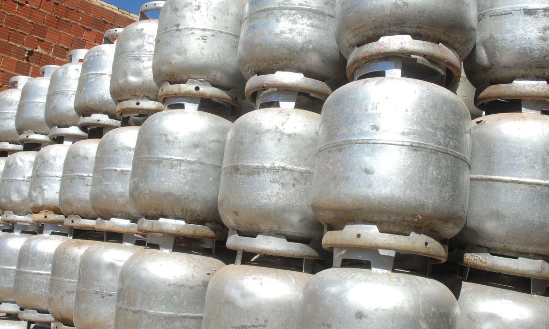 Botijão de gás passa a custar até R$ 100 no RN; até fim do ano valor pode chegar a R$ 135