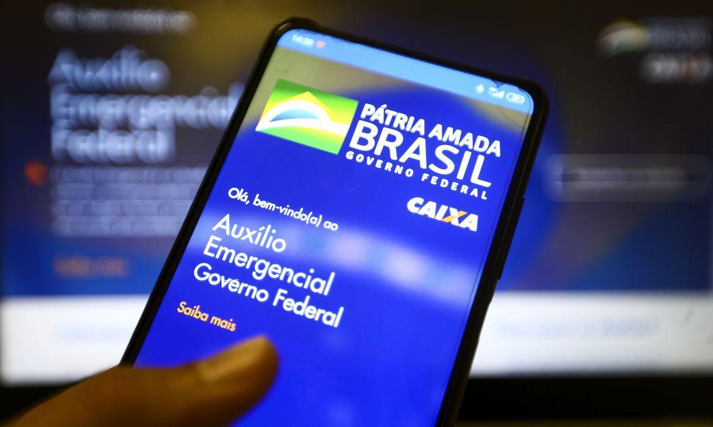 Caixa paga nesta quarta-feira auxílio emergencial a nascidos em novembro
