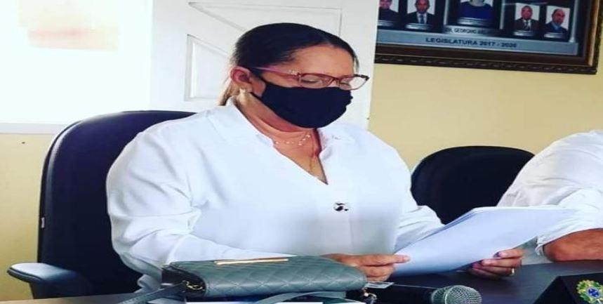 EXCLUSIVO: APÓS EXONERAÇÃO DE SECRETÁRIA, PROFESSORA MARIA FALA SOBRE SUA SAÍDA DA CÂMARA DE GEORGINO AVELINO