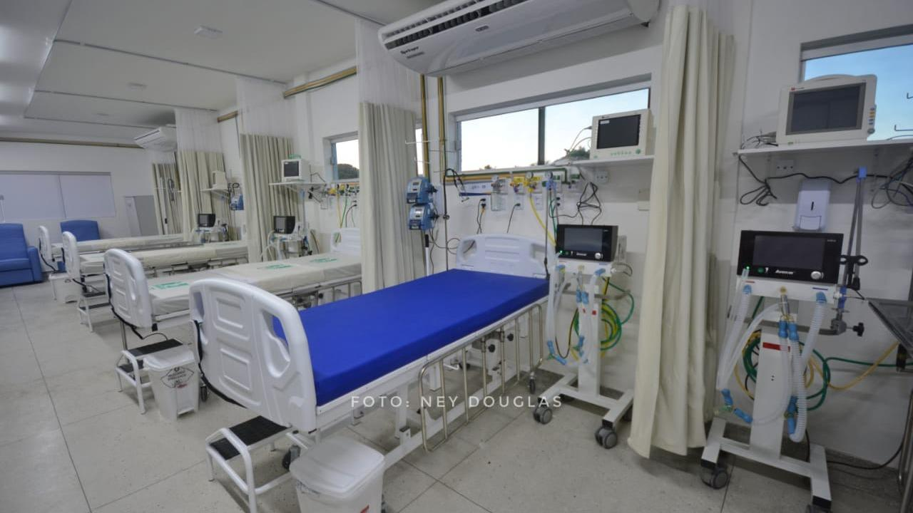 Hospital Divino Amor, em Parnamirim, volta a operar com capacidade máxima de UTIs covid-19