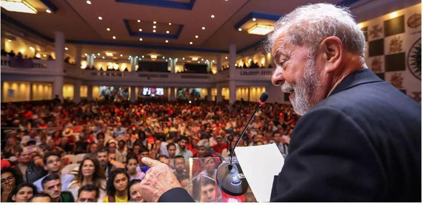 Lula é candidato e favorito à presidência da República em 2022